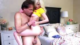 Foxy fair-haired doxy got her thrusted unbearable